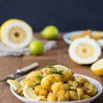 der ofengebackene Blumenkohl mit würzigen Zitronen-Kräuter-Bröseln 1