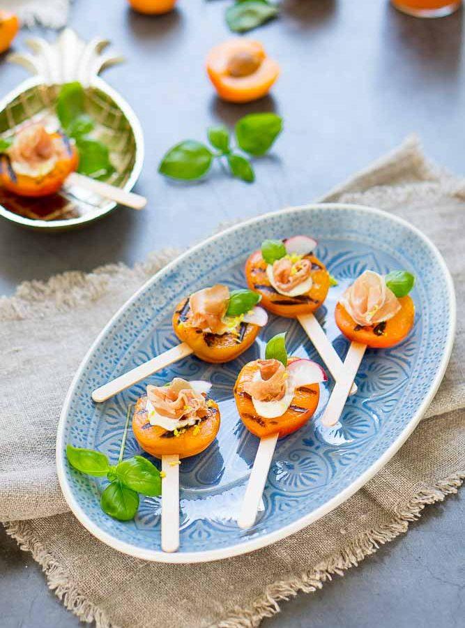 Gegrillte Aprikosen-Lollies mit Prosciutto 1