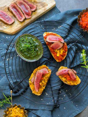 Entrecôte mit Paprika-Crostini und Petersiliensauce 1