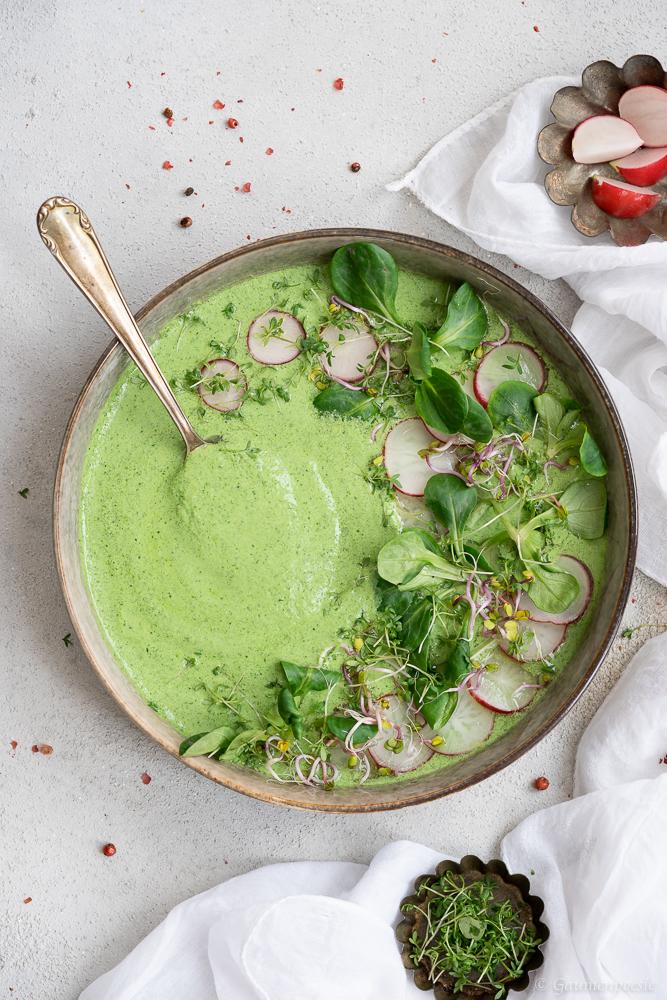 Vogerlsalat-Suppe mit Kresse und Radieschen 3