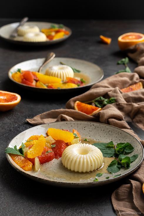 Mandel-Panna Cotta mit ZItrusfrüchte-Salat Slider