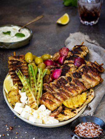 Chicken-Souvlaki Platte mit Zitronen-Minz-Tsatsiki 1