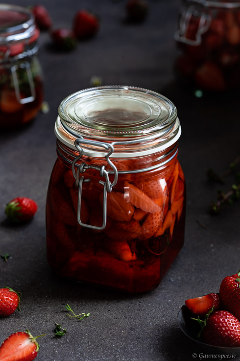 Erdbeer-Thymian-Essig Rezeptbild
