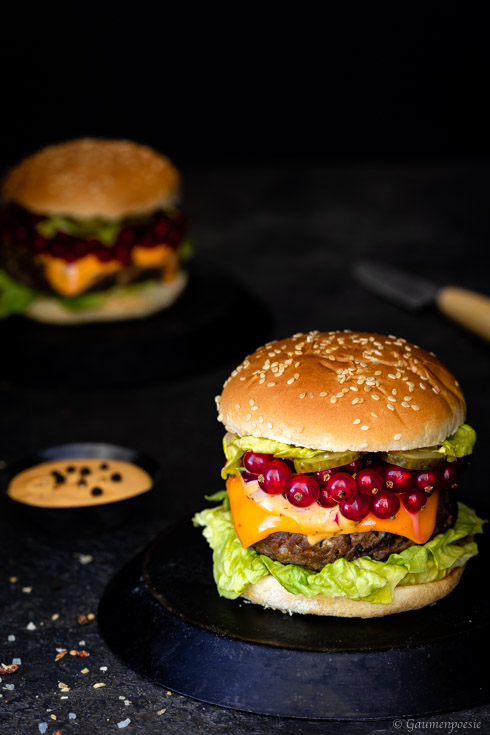 Chili-Cheeseburger mit Johannisbeeren Slider