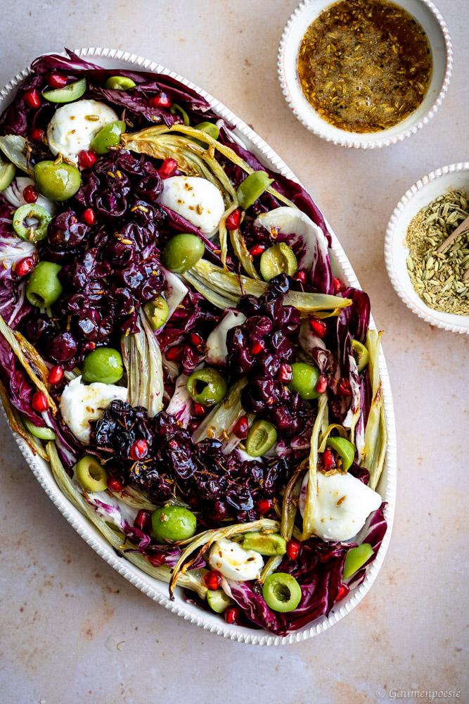 Radiccio-Fenchel-Salat mit gerösteten Weintrauben und Burrata 4