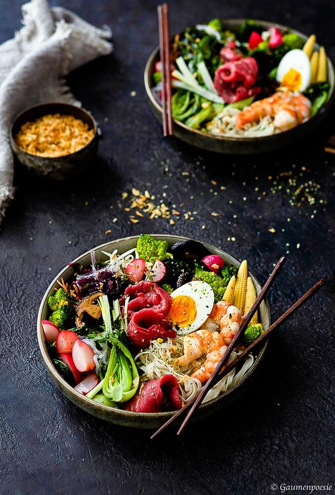 Ramen-Bowl mit Shrimps und Rinderfiletstreifen 3