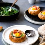 Baked Bread-Bowls mit gebackenen Eiern 1