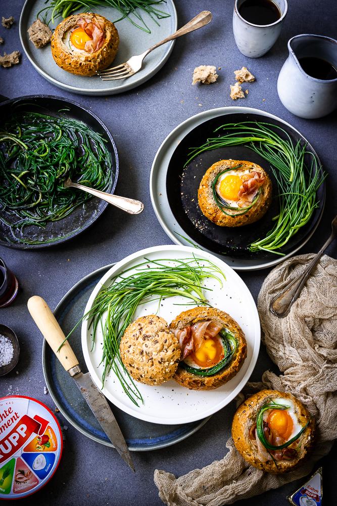 Beaked Bread-Bowls - Gebackene Eier im Brot mit Barba di Frate 2